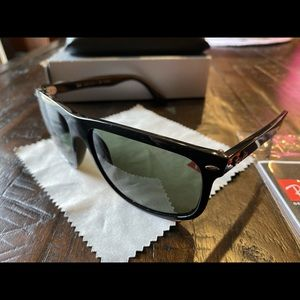 Ray-Ban men's sunglasses RB4147 pre-owned